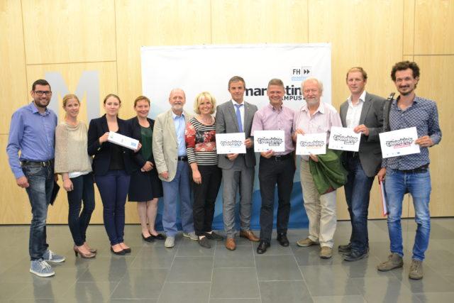 Die hochkarätige Runde der Motivforschung-Präsentation am FH Campus Wieselburg (v.r.n.l.): Thomas Wagner (Themenfeldsprecher zur LEADER-Strategie), B.A. Margaretha Bewersdorff und B.A. Mariella Pfannenstill (wissenschaftliche FH-Mitarbeiterinnen), Mag. Andrea Kovacic (Leiterin des FH-Start-Up-Centers), Bgm. Günther Leichtfried (Wieselburg), Dr. Astin Malschinger (Studiengangsleiterin), Dir. Hannes Scheuchelbauer (Volksbank Ötscherland, Wieselburg), Abg.z.NR. Andreas Hanger (Eisenstraße-Obmann), Stadtrat Kurt Hraby (Waidhofen an der Ybbs), Bgm. Wolfgang Pöhacker (Steinakirchen am Forst), Mag.arch. Joseph Hofmarcher (Coworking Eisenstraße Management), GF Stefan Hackl (Eisenstraße, hinter Camera) Foto: Eisenstraße Niederösterreich